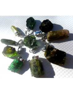Tourmaline verte en pendentif